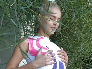 Молоденькие девчонки смотреть онлайн