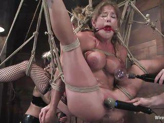 Порно раб наказан госпожой