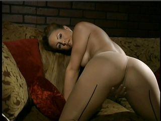 Порно в чулках с англичанкой