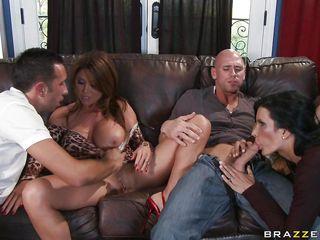 Порно муж снимает двое жену