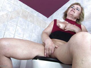 Порно туалетная госпожа