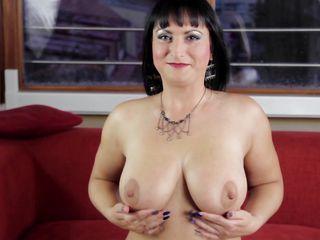 Порно видео женщины с маленькими грудями