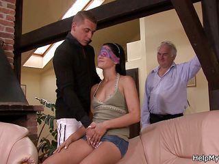 Русские муж и жена снимают свой секс