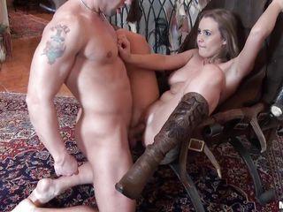 Домашний секс в попку