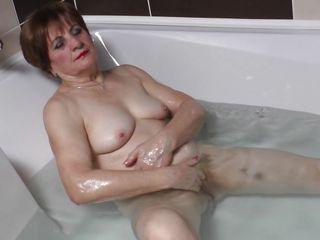 Смотреть порно зрелые немки мастурбируют