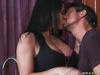 Муж с женой занимаются порно