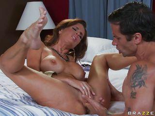 Бесплатное порно жена сосет