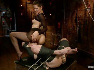 Порно фильмы про доминирование госпожи