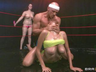 Секс втроем жмж порно