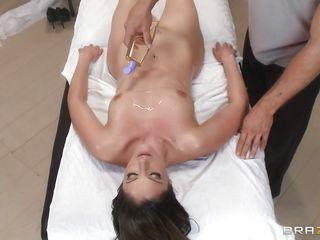 Нарезка секс сцен из фильма