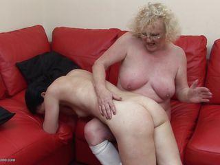 Секс с красивыми ножками