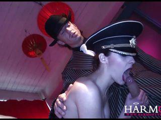 Видео жесткий секс втроем