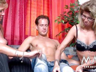 Любительское домашнее порно молодых