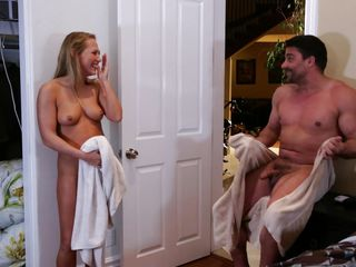 Жестко наказал секретаршу порно