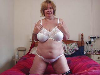 Тетя дрочит порно онлайн