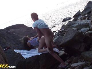 Порно толпой на пляже