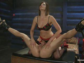 Латекс госпожа страпон