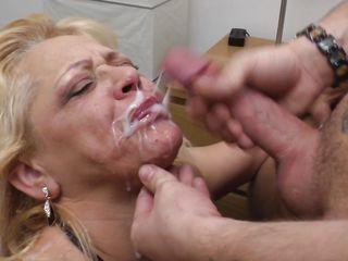 Порно видео групповое зрелые дамы