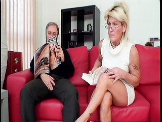 Порно между жена