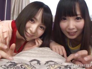 Голые молоденькие японочки