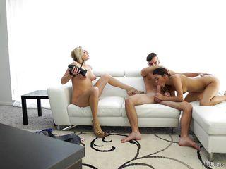 Порно кастинг кончают в киску