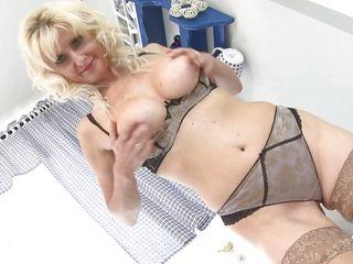 Порно ебут красивую маму