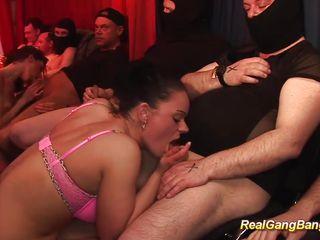 Любительское групповое порно русских жен