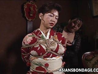 Порно сквиртинг азиатки бдсм