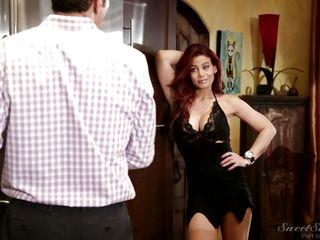 Жена на вечеринке видео