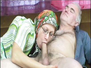 Порно слизать с жены