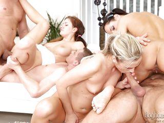 Жесткое любительское групповое порно