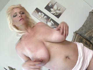 Жена подарила мужу порно