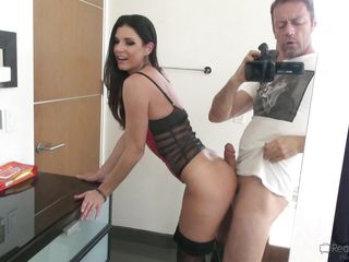Порно онлайн мама дрочила сыну