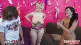 Порно блондинки и негры с большими