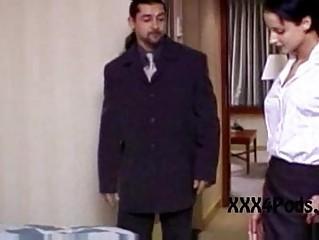 Порно видео кончил в рот шлюхе