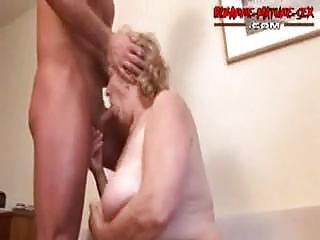 Порно не дают ссать
