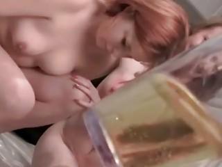 Порно писающие вк
