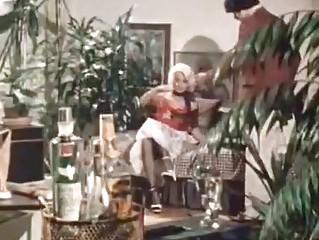 Порно фильм отчаянная домохозяйка
