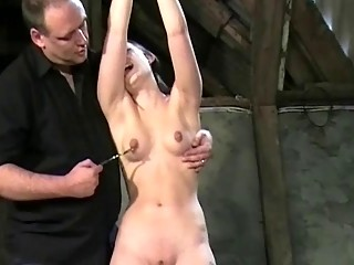 Порно бдсм порка до крови