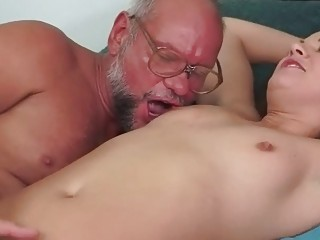 Порно онлайн писсинг пати