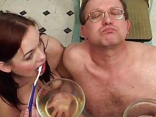 Порно писающие пукающие