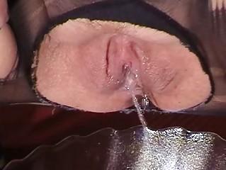 Порно друга жена шлюха