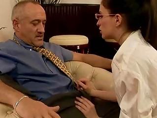 Порно шикарную секретаршу трахнули