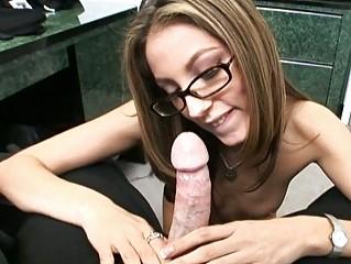 Порно поймал секретаршу