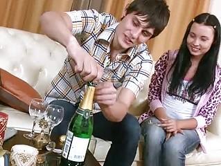 Русские домохозяйки соблазняют порно