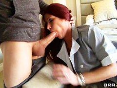 Порно со горничной