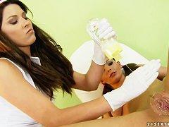 Порно анальный фистинг рукой