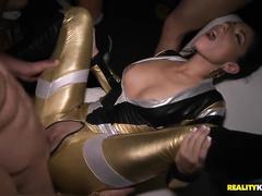 Стриптиз на вечеринке видео