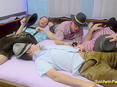 Порно анал экстремальный извращенный оргия