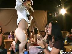 Порно в стриптиз клубе